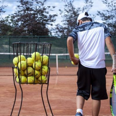 What age should kids start learning tennis?